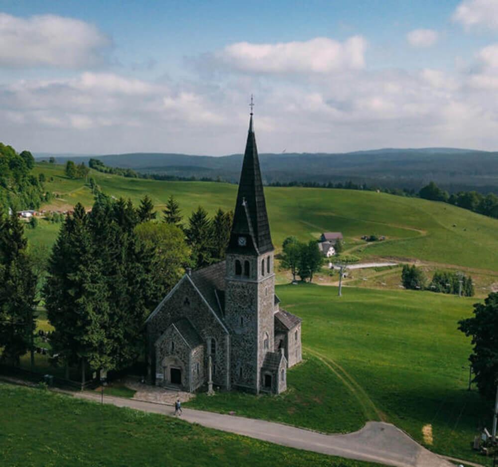Kościół Św. Anny powstały w roku 1762, Zieleniec