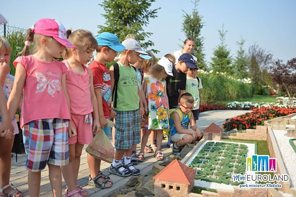 Poznawanie atrakcji turystycznych Ziemi Kłodzkiej w miniaturze