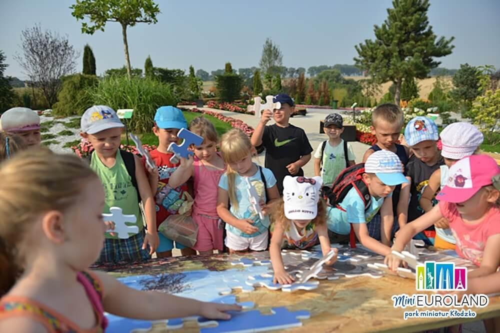 Najlepsze atrakcje dla dzieci rozwijają wyobraźnię, kreatywność i zachęcają do logicznego myślenia