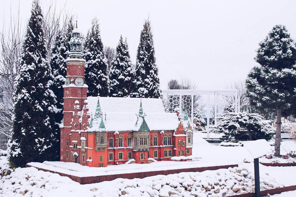 Ratusz wrocławski zima w minieurolandzie