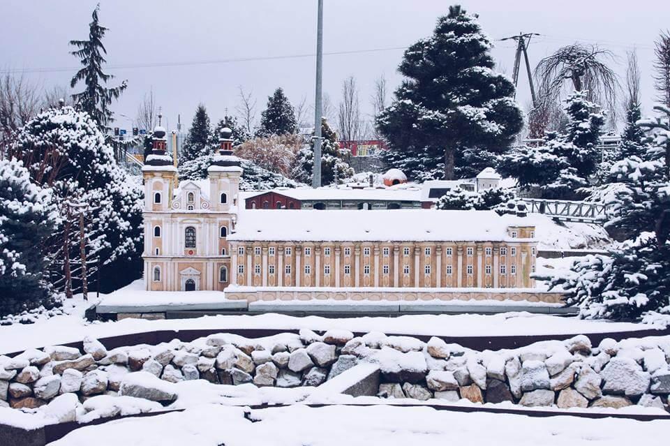 zima w minieurolandzie Kościół Matki Bożej Różańcowej oraz Kościół WNMP w Kłodzku
